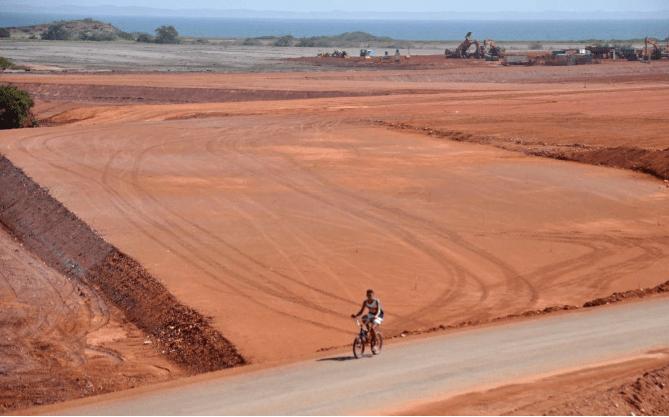 El proyecto del puerto de aguas profundas en la península de Araya