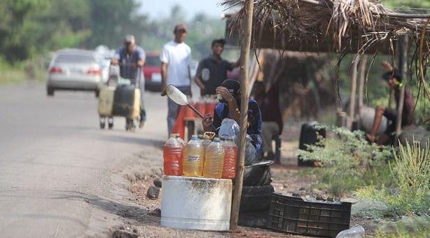 La verdad sobre el contrabando de gasolina, drogas y la degradación etno-ecológica de las fronteras de Venezuela con Colombia