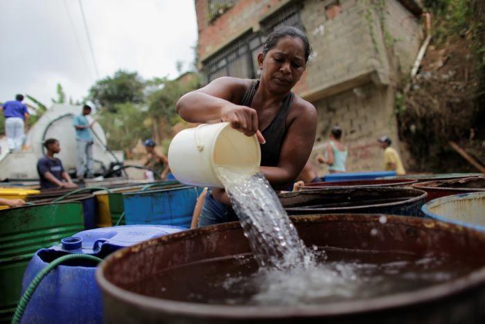 Las energías renovables y el acceso universal al agua potable en Venezuela