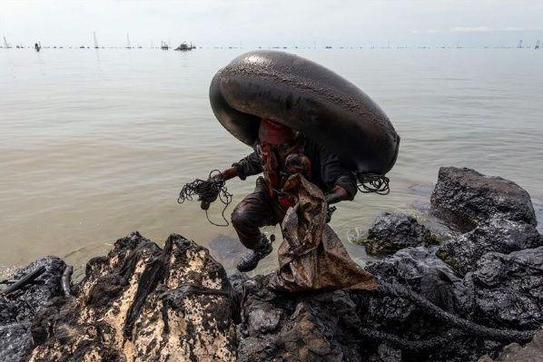Imágenes evidencian impacto de derrames de petróleo en el Lago de Maracaibo