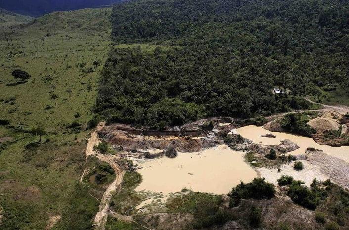 """Bolsonaro firma proyecto de ley del """"Arco Minero de Amazonas"""""""