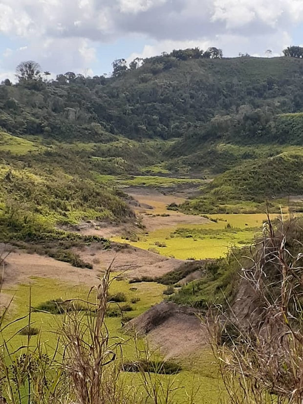 Vecinos de Mariche, Turumo y Parque Caiza denuncian escasez de agua y falta de mantenimiento al embalse La Pereza