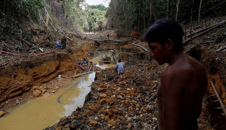 La industria minera global aprovechándose de la pandemia del COVID-19: Tendencias, impactos y respuestas