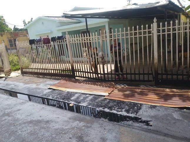 Habitantes de Cabimas denuncian constantes derrames de petróleo que afectan el casco central