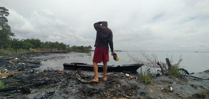 Pescadores denuncian más de 20 derrames de petróleo en el Lago de Maracaibo sólo en 2020